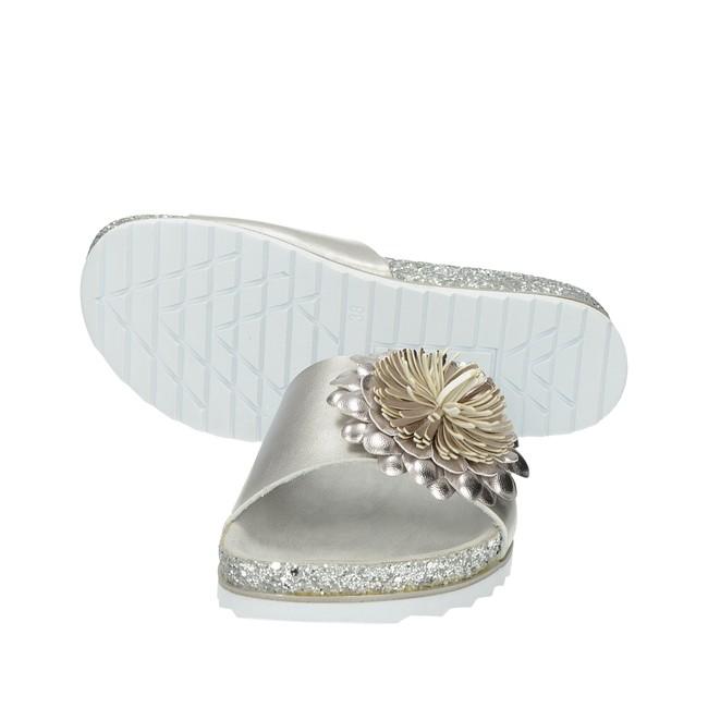 fd06bb85583 ... Bugatti dámské elegantní nazouváky - stříbrné ...