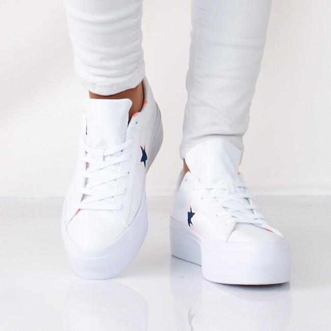 ... Converse dámské stylové tenisky na platformě - bílé ... a72547ac4f