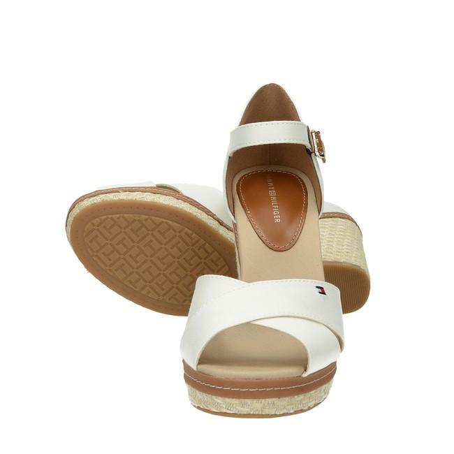 7d8e400632e ... Tommy Hilfiger dámské stylové sandály na klinové podrážce - bílé ...