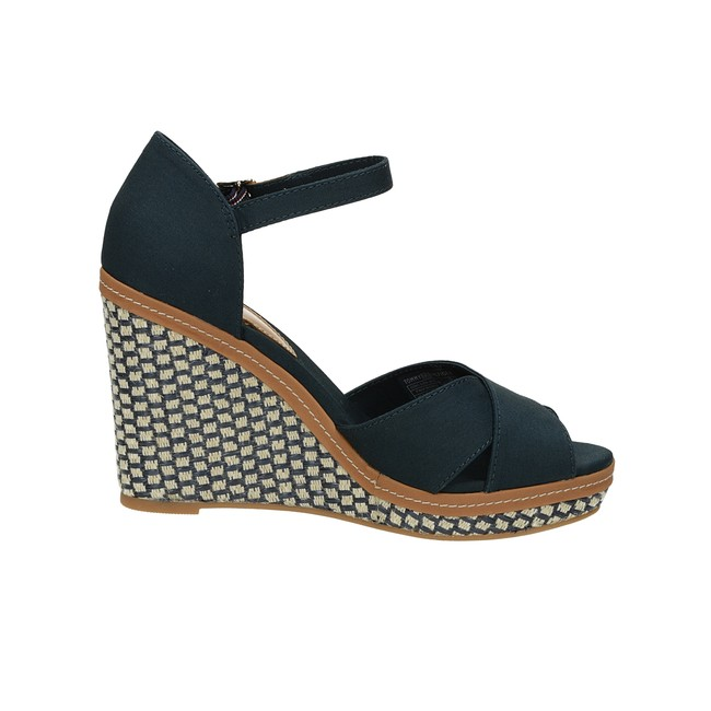 3389ac5a931 Tommy Hilfiger dámské stylové sandály na klinové podrážce - modré ...