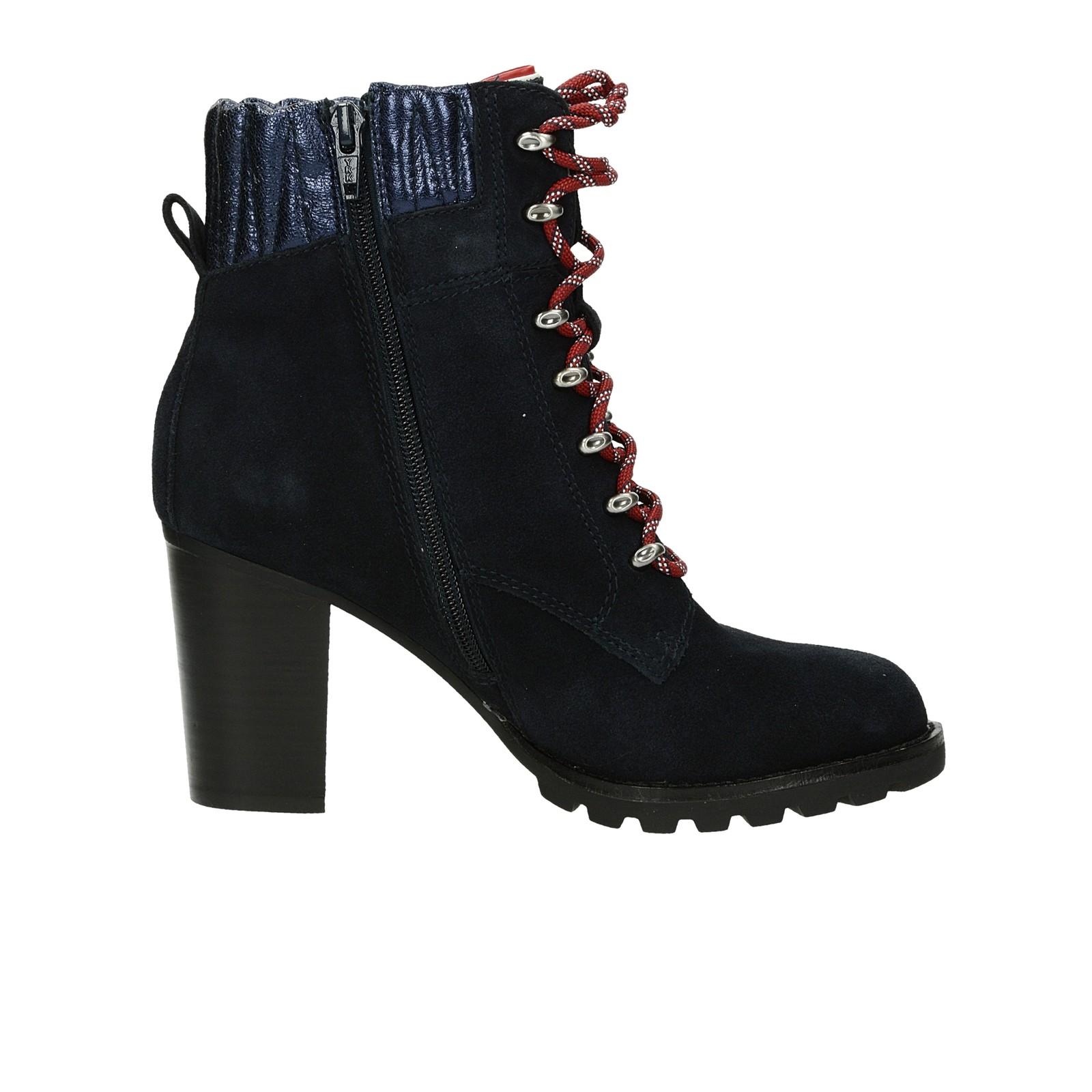 Tommy Hilfiger dámské semišové kotníkové boty na podpatku - tmavomodré ... 880f6fdfbc