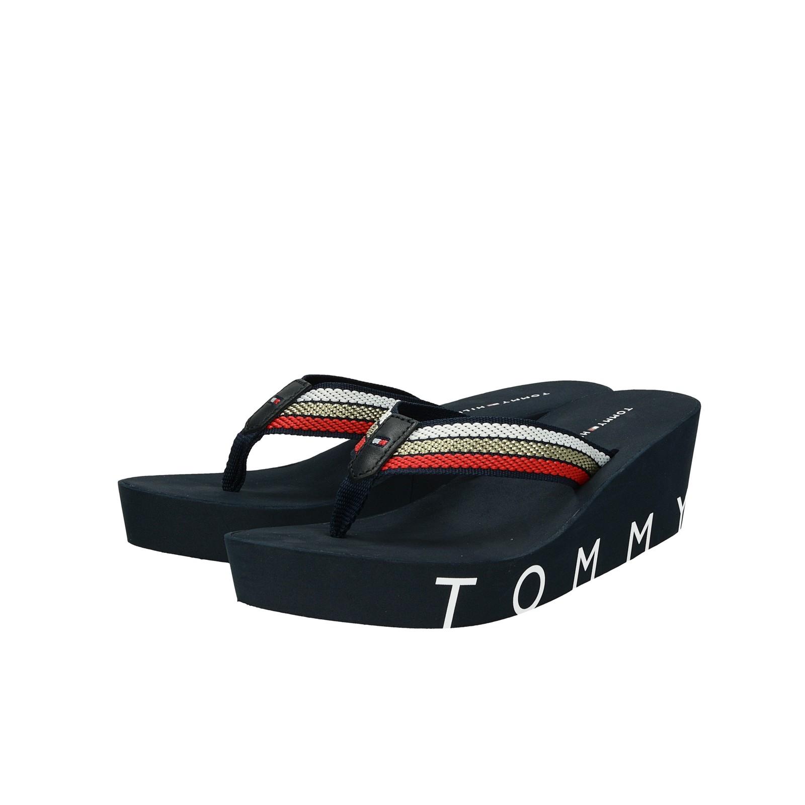 Tommy Hilfiger dámské stylové nazouváky na klinové podrážce - tmavomodré