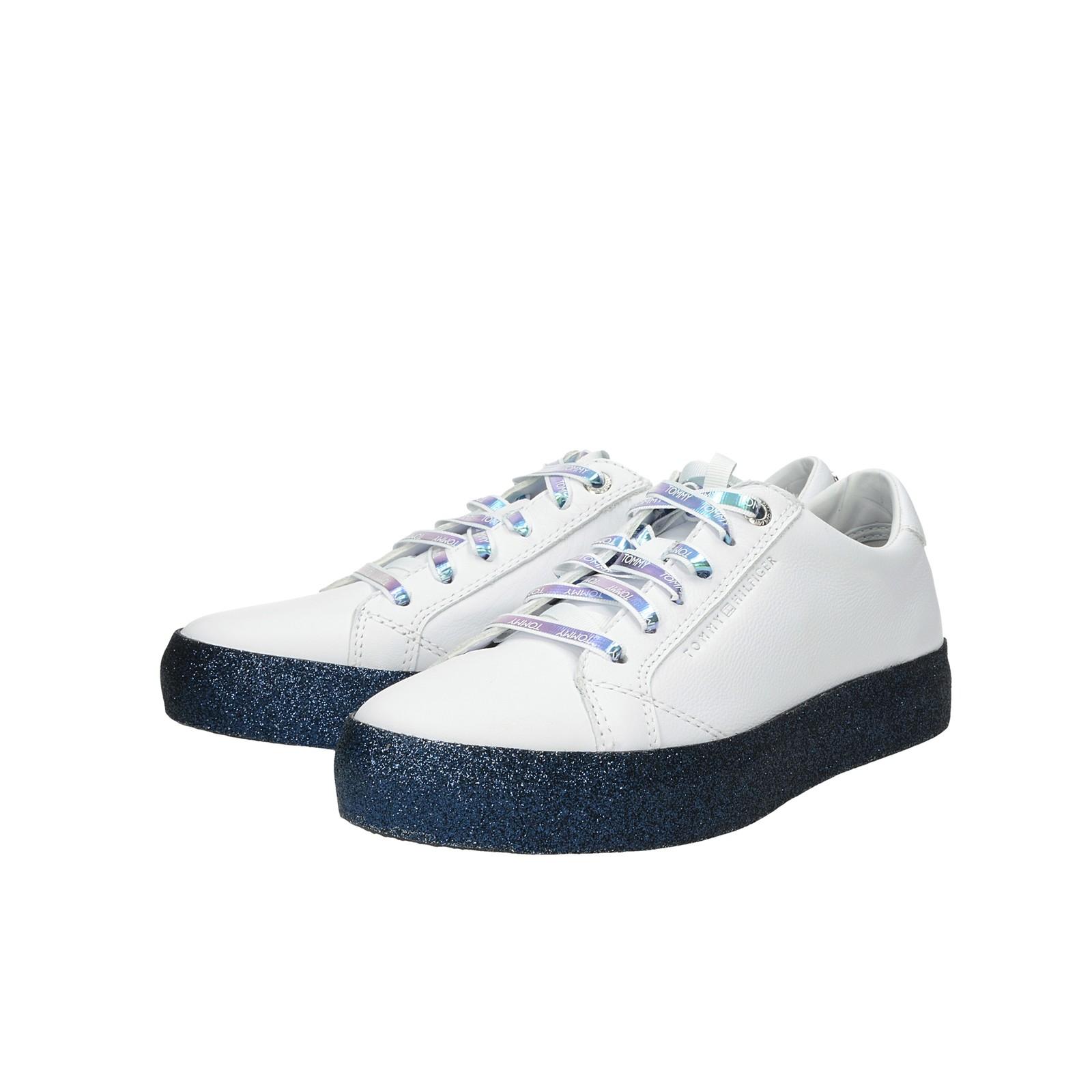 d3232e1fea Tommy Hilfiger dámské stylové tenisky na platformě - bílé ...