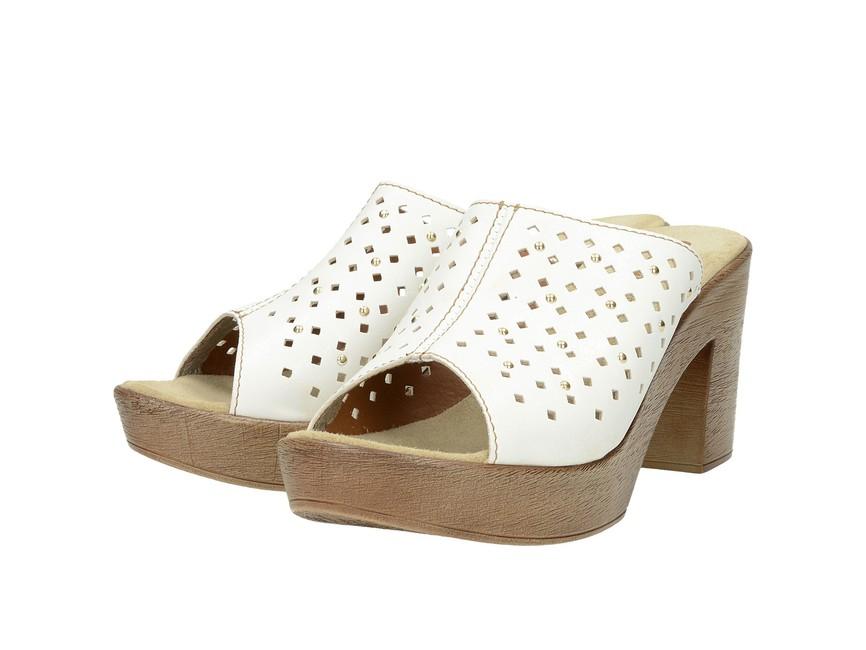 fa4e47f06 Inblu dámské perforované nazouváky - bíle | SC6-BIANCO cz.robel.shoes