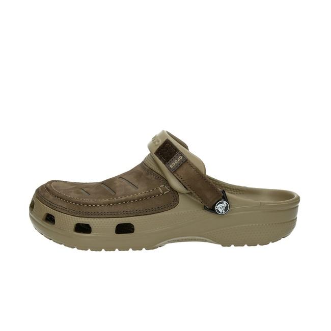 b397d333560 Pantofle. Crocs pánské kožené nazouváky - hnědé Crocs pánské kožené  nazouváky - hnědé ...