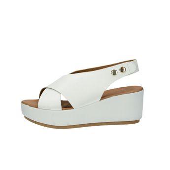 Inuovo dámské stylové sandály na klinové podrážce - bílé