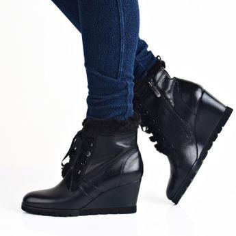 Regarde le ciel dámské kožené kotníkové boty na klinové podrážce - černé