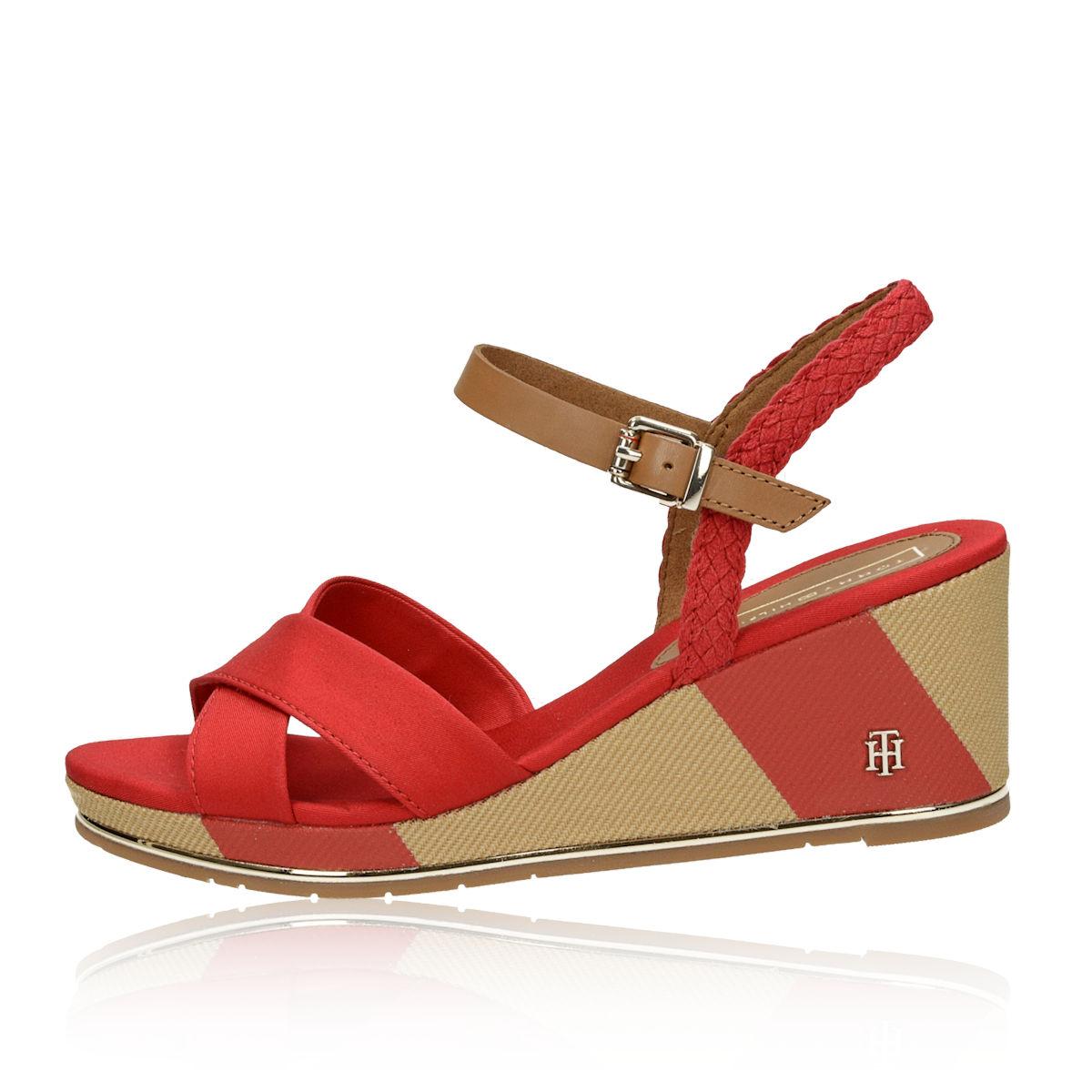 Tommy Hilfiger dámské stylové sandály - červené