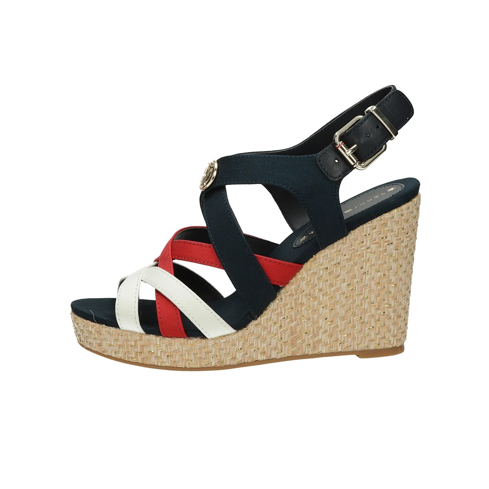 Tommy Hilfiger dámské stylové sandály na klinové podrážce - vícebarevné